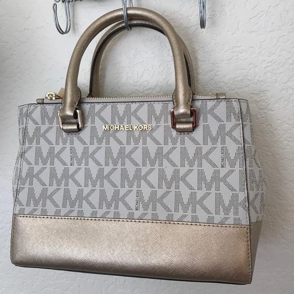 Michael Kors Handbags - NWT MICHAEL KORS KELLEN VANILLA GOLD SMALL SATCHEL